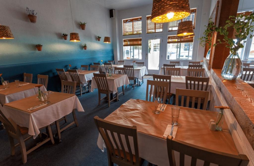 Yannis Greek Restaurant Seattle Wa Usa Feels Like Greece